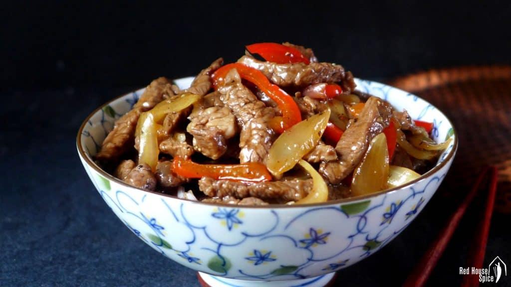 Black pepper beef stir-fry (黑椒牛柳)