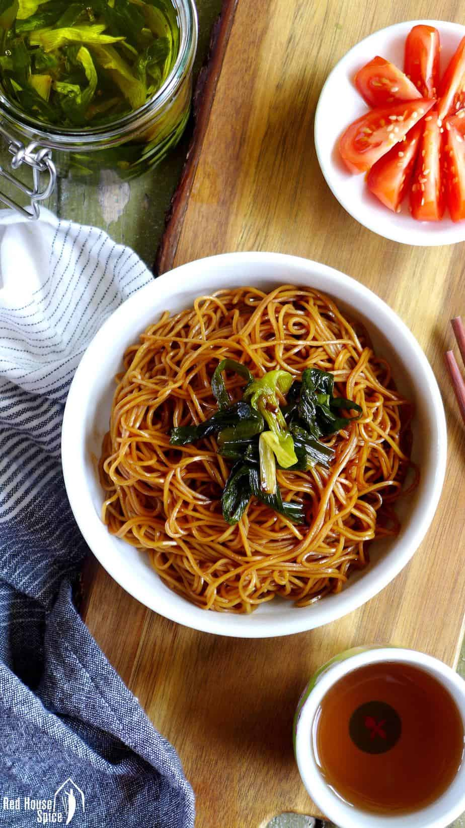 A bowl of Shanghai spring onion oil noodles