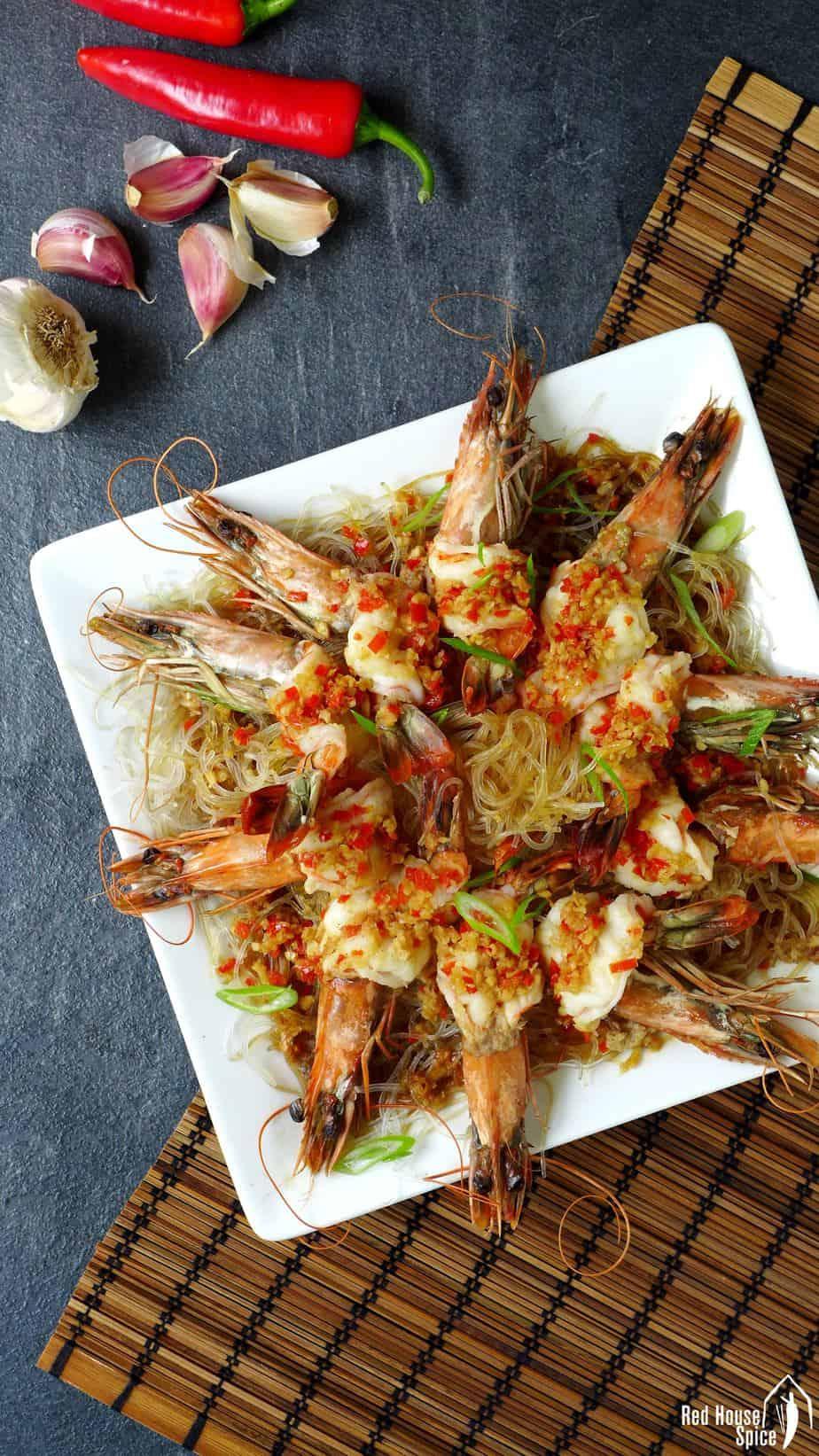 Steamed garlic prawns with vermicelli noodles