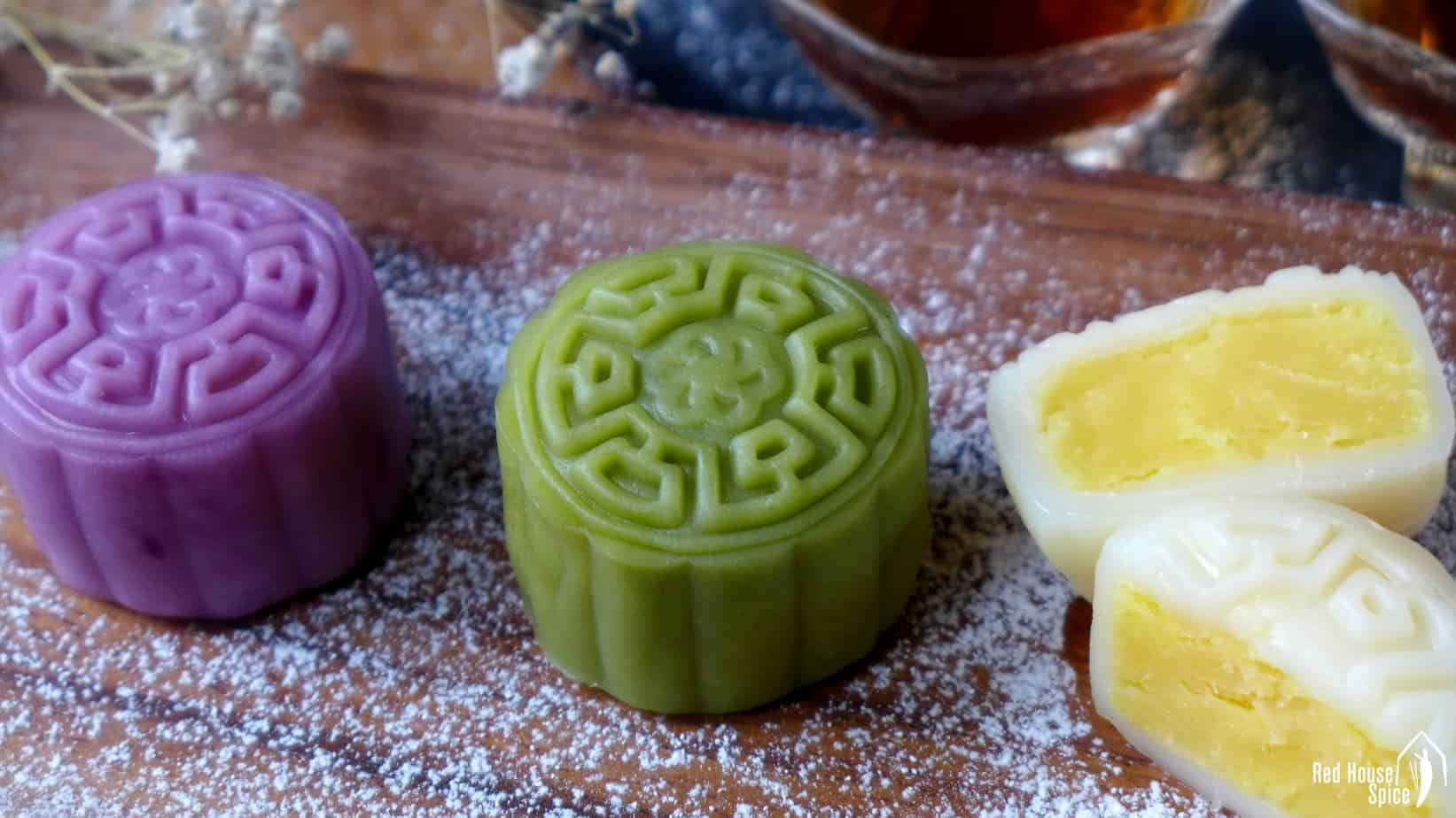Snow skin mooncake with custard filling (冰皮月饼)
