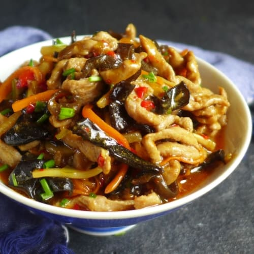 A bowl of Sichuan shredded pork with garlic sauce