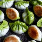 Pan-fried bi-colour dumplings