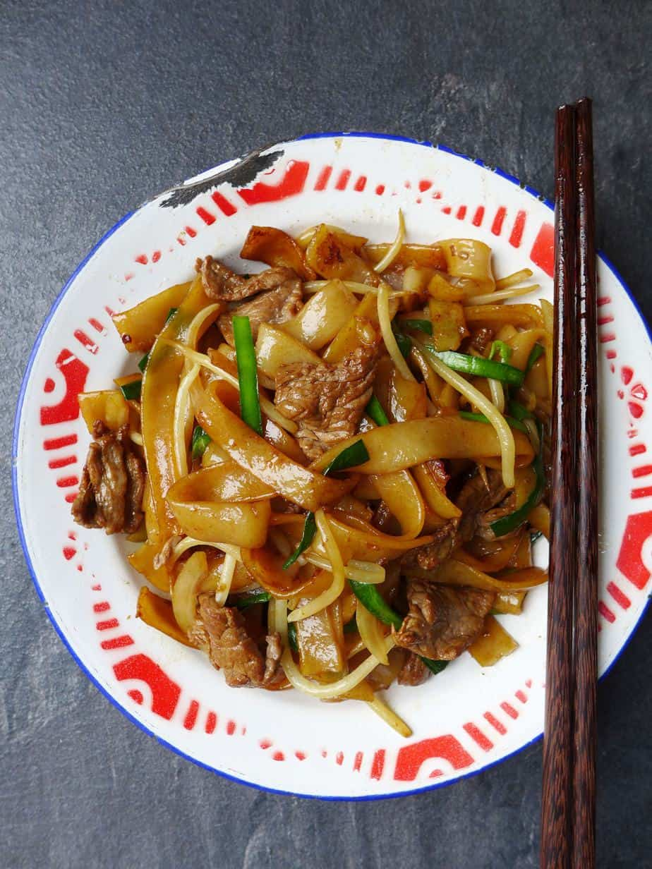 A plate of beef chow fun
