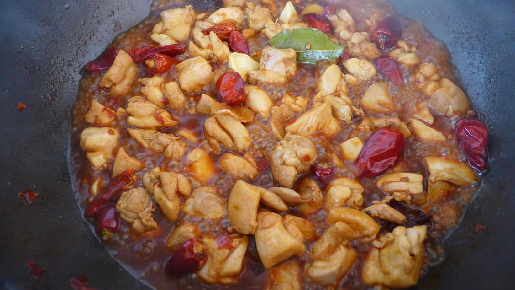 Chicken braised with spices