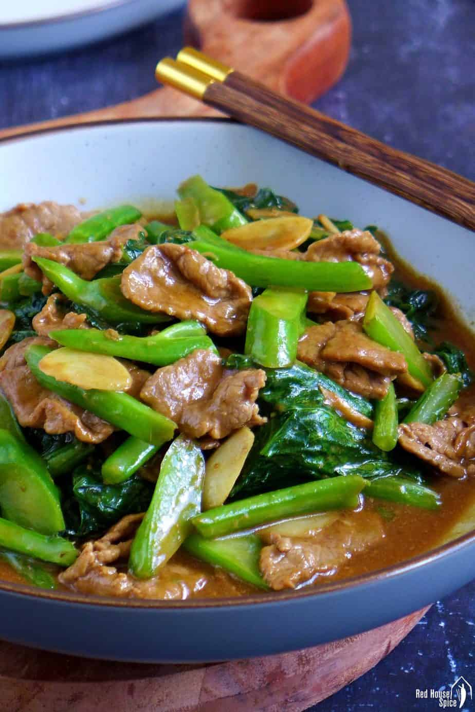 Beef stir-fried with Chinese broccoli