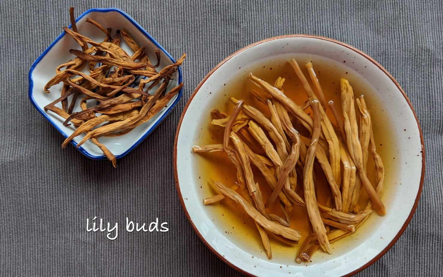 Dried and rehydrated lily buds