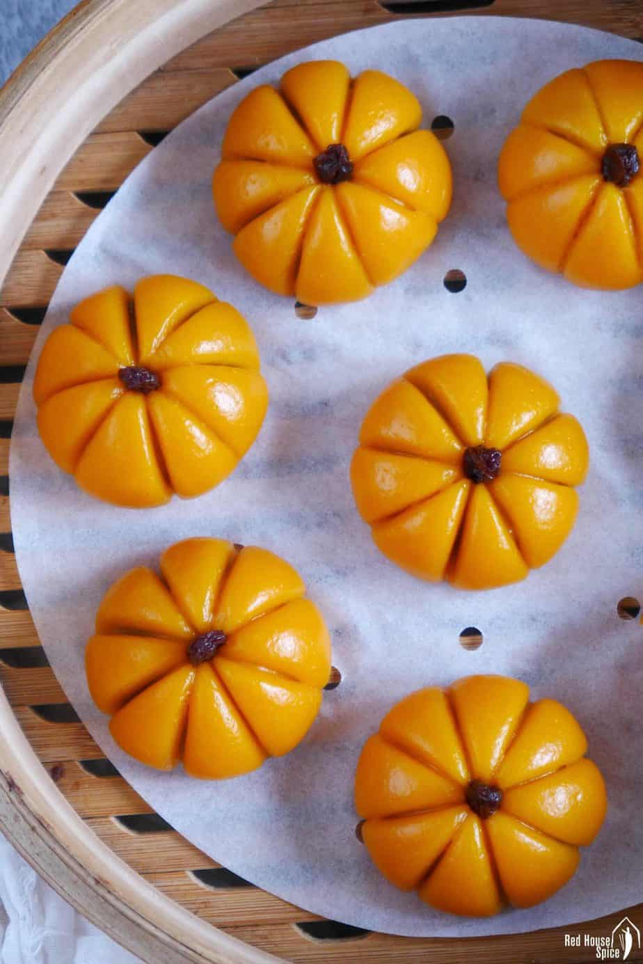 Sticky rice pumpkin cakes in a steamer.