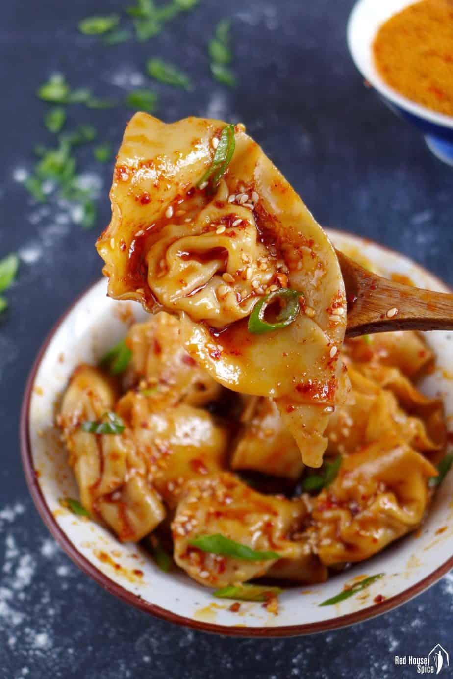 Sichuan spicy wonton in chili oil