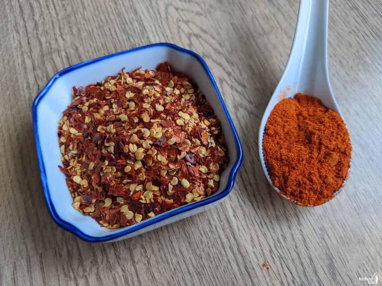 chili flakes and chili powder