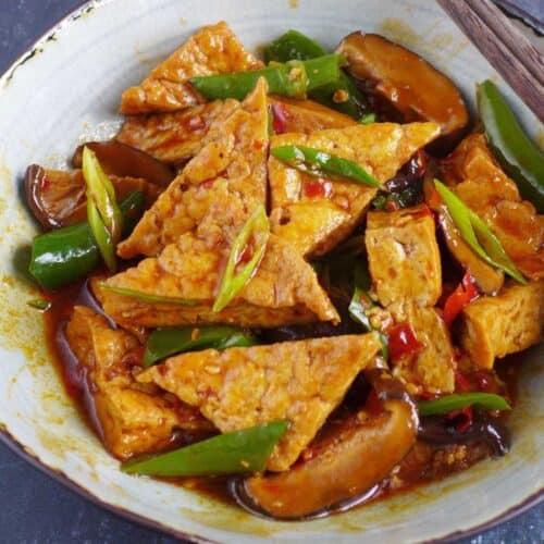 Braised tofu with Sichuan seasoning