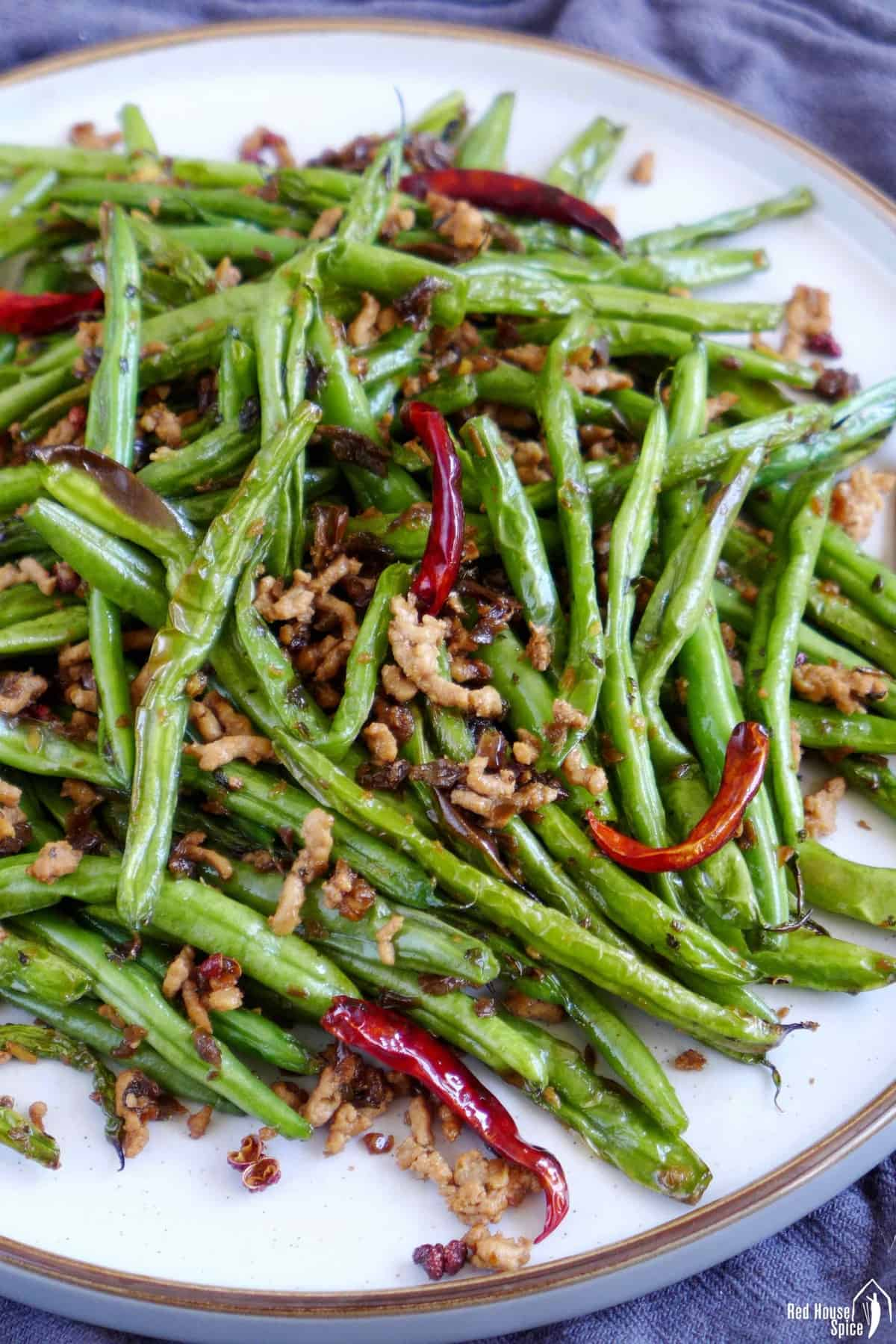 Green beans fried with dried chilies and minced meat.